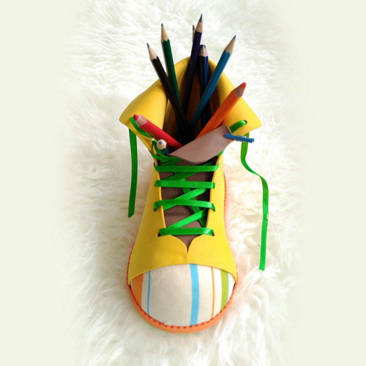 lapicero bota amarillo